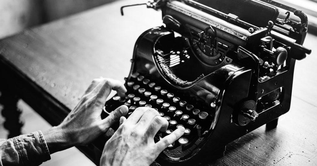 ¿Quién inventó la máquina de escribir y en qué año? 1