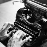 ¿Quién inventó la máquina de escribir y en qué año? 12