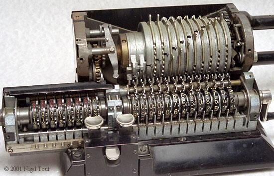 ¿Quién inventó la calculadora? Enciclopedia Ilustrada 5