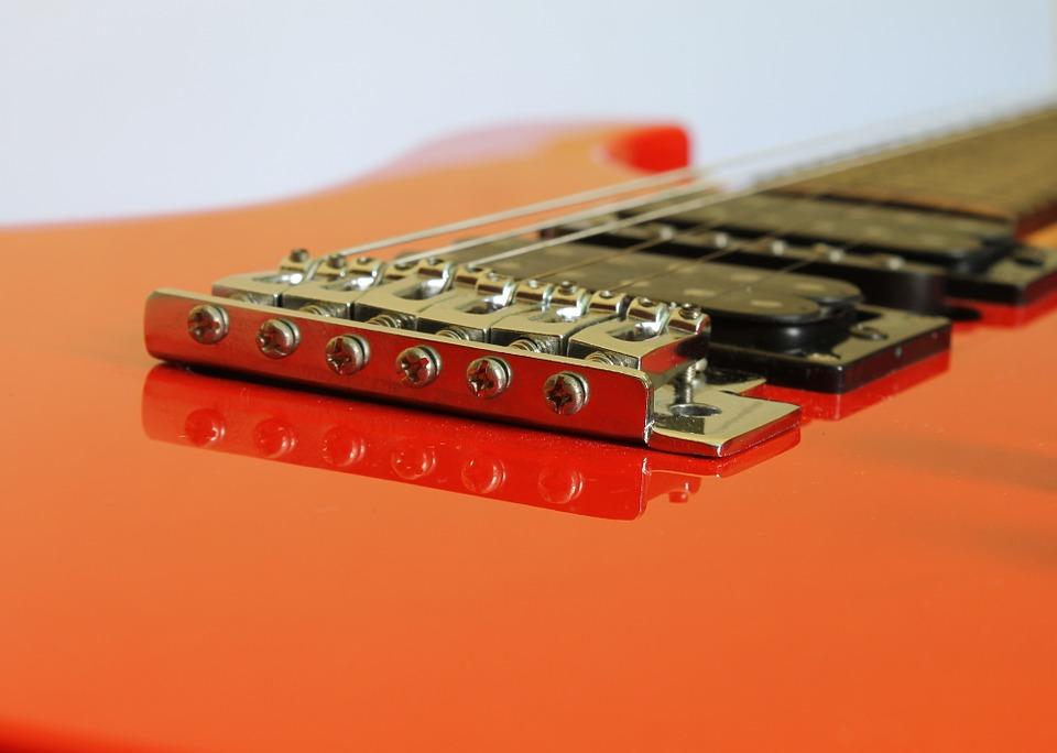 ¿Quién inventó la guitarra? Moderna y Eléctrica | Enciclopedia 5
