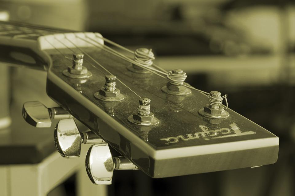 ¿Quién inventó la guitarra? Moderna y Eléctrica | Enciclopedia 6