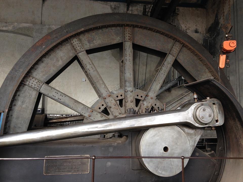 ¿Quién inventó la Máquina de Vapor?¿En qué año? 4