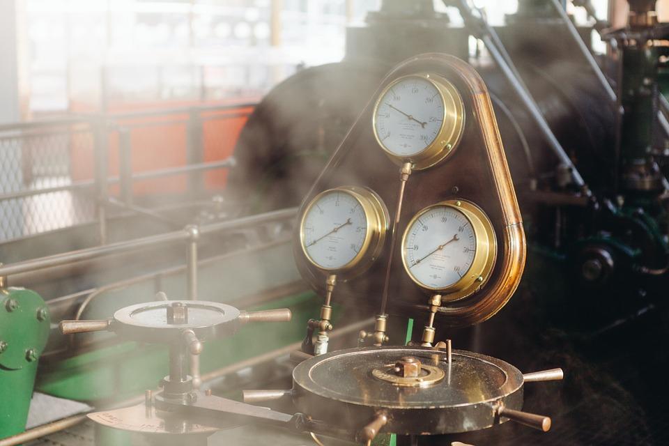 ¿Quién inventó la Máquina de Vapor?¿En qué año? 7
