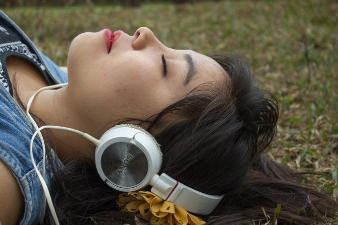 ¿Quién inventó los audífonos? 2