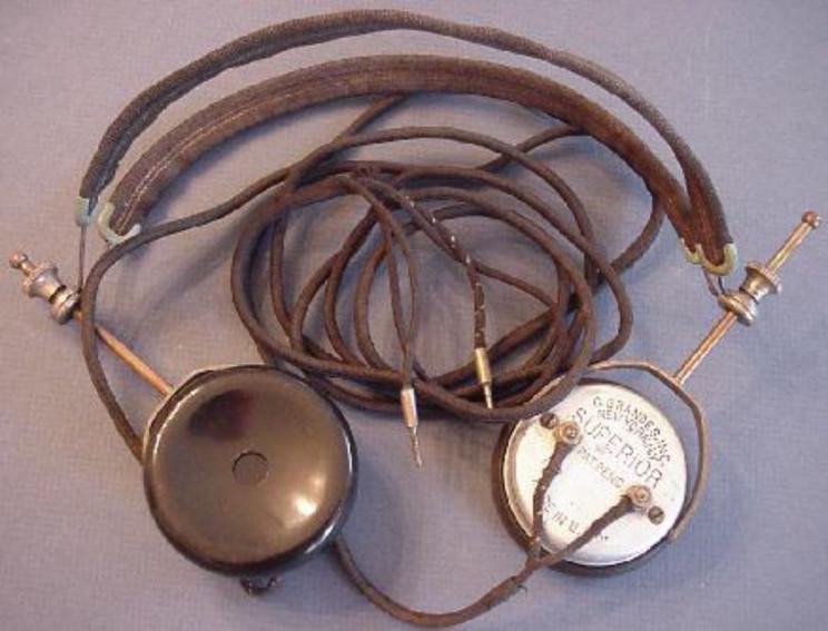 ¿Quién inventó los Audífonos? 4